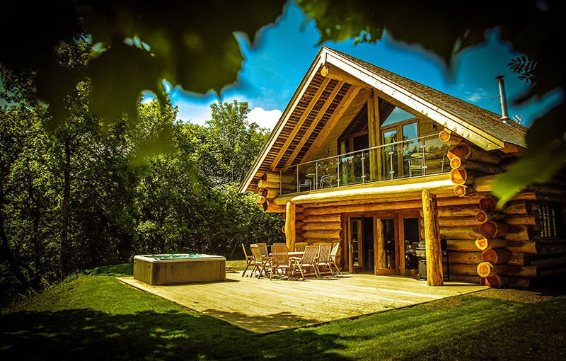 River cabins self catering log cabins with hot tubs for River view cabins