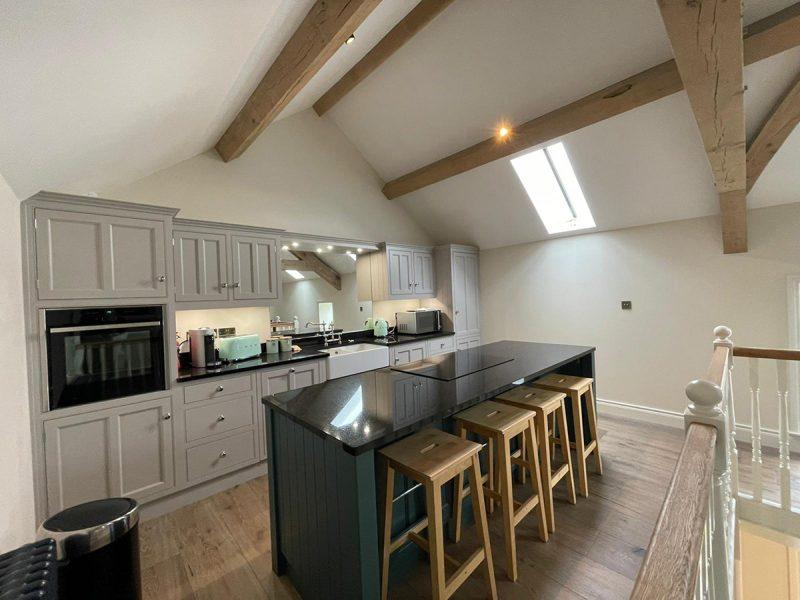 Farriers-Cottage_kitchen-island